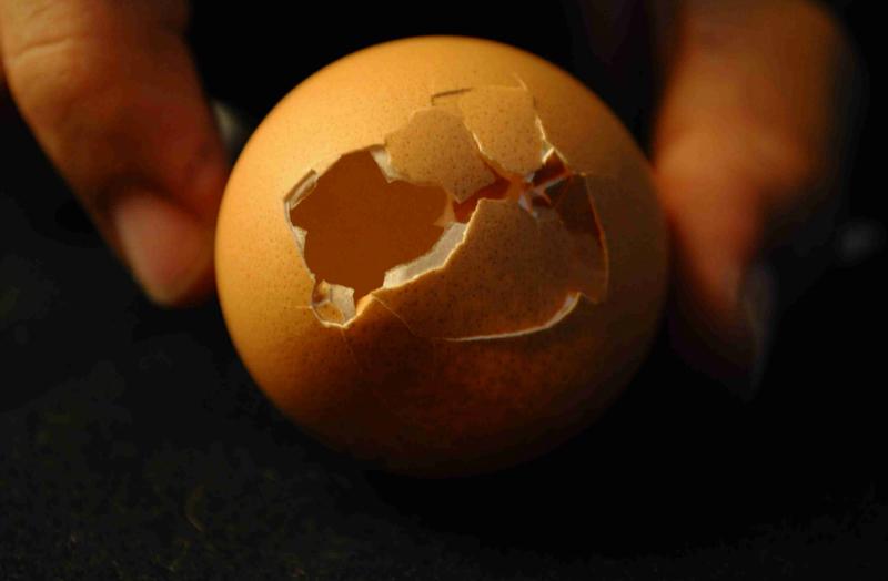 არასდროს გადაღვაროთ კვერცხის ნახარში წყალი! აი, რატომ...